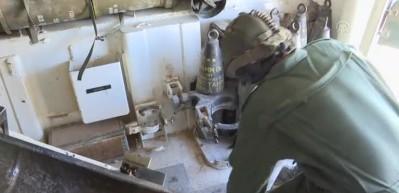 YPG/PKK'lı teröristler obüs atışlarıyla işte böyle vuruluyor