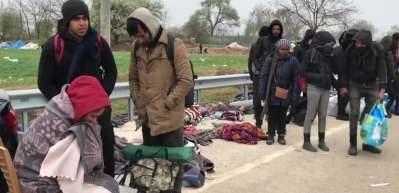 Yunanistan sınırında 1 aydır bekleyen sığınmacılar bölgeden ayrıldı