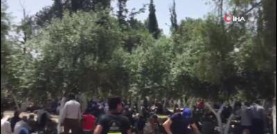 Yüzbinler Mescid-i Aksa'da Cuma Namazı kıldı