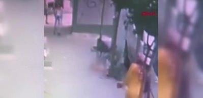 Zeytinburnu'nda bebek ikinci kattan düştü