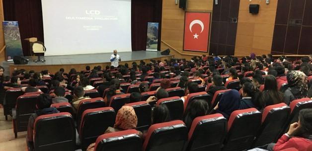 Hakkari'de kişisel gelişim semineri düzenlendi