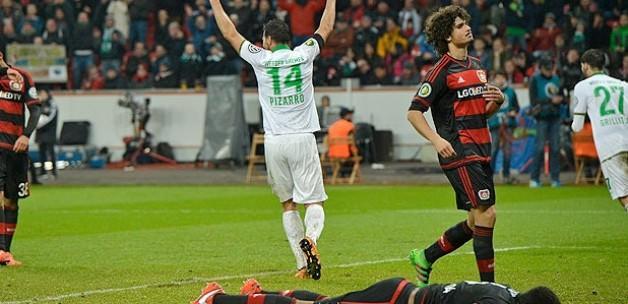 Leverkusen'e evinde büyük şok