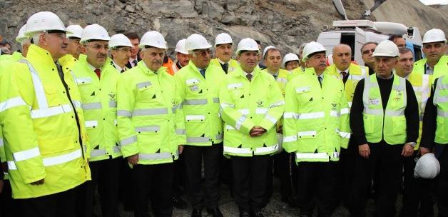 """""""Akdağmadeni Mevkii T-9 Tünelinin Işığa Kavuşturulması Töreni"""" (1)"""