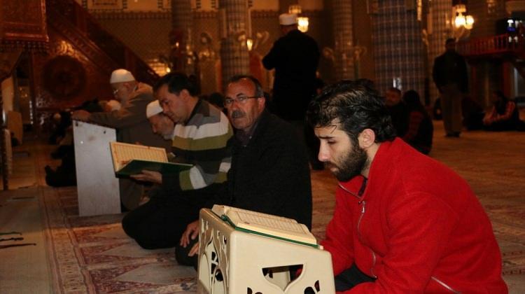 Şehit savcı Kiraz için memleketi Mersin'de hatim