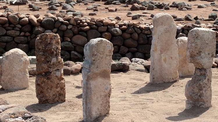 Kayı Boyu damgalı mezar taşları bulundu
