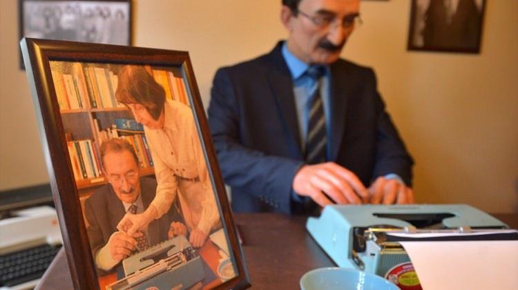 """Eskişehir'de """"Tayfun Talipoğlu Daktilo Müzesi"""" açıldı"""