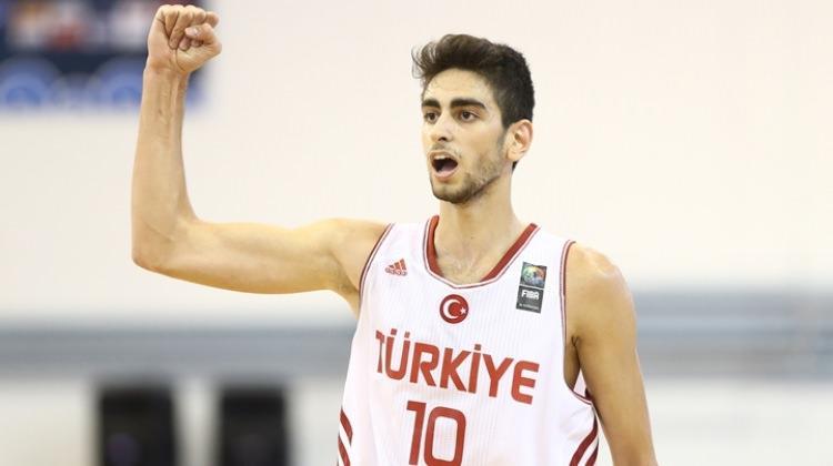 Furkan Korkmaz kimdir?   NBA'in yeni Türk yıldızı