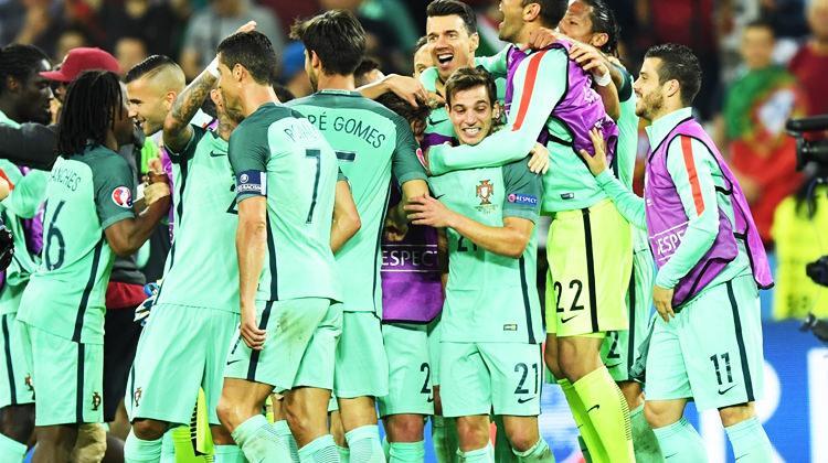Euro 2016'da ilk finalist Portekiz!