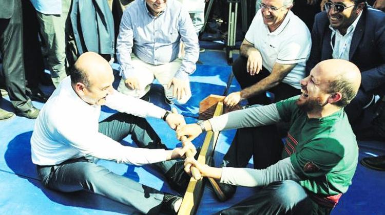 Bilal Erdoğan ile Bakan Soylu 'Mas Güreşi' yaptı