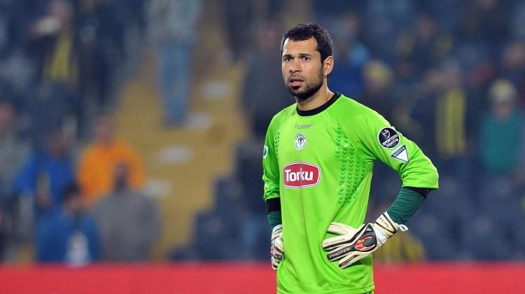 Uefa Serkan Kırıntılıyı Haftanın En Iyisi Seçti Serkan Kırıntılı