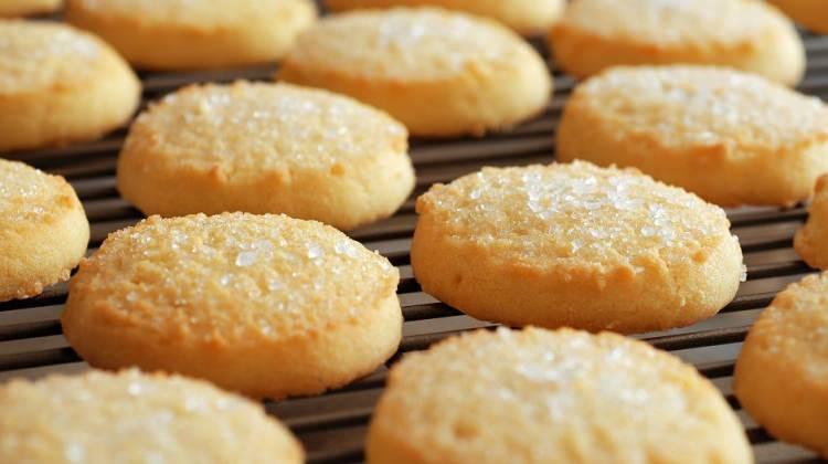 Üç malzeme ile kurabiye tarifi