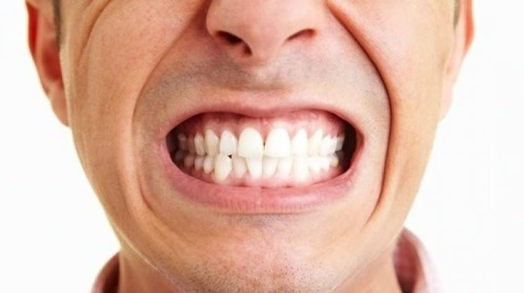 Stres diş sıkmayı tetikliyor