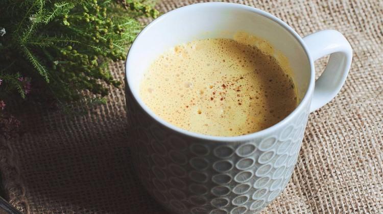 Taze zerdeçallı latte tarifi