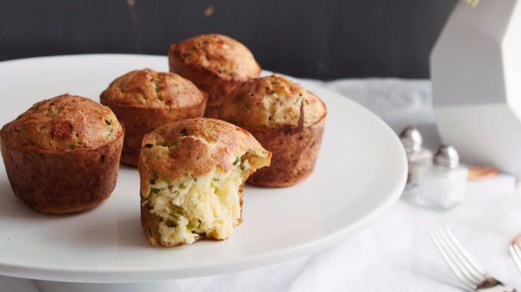 Eritilmiş peynirli kek ile soğan kek: fotoğraf ve yemek tarifleri