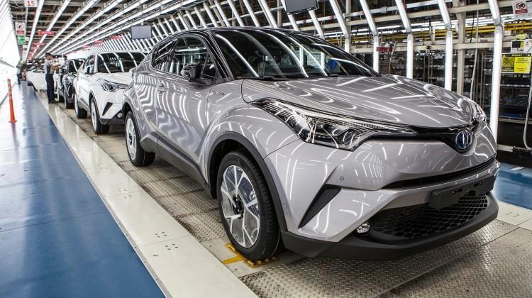 Toyota C-HR banttan indi
