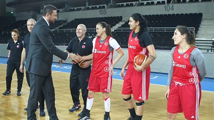 TBF Başkanı Türkoğlu'ndan moral ziyareti