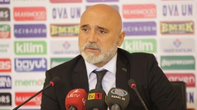 Karaman'dan istifa çağrılarına yanıt