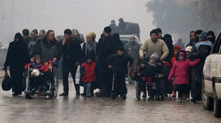 İran'da taraftarlardan Halep'e destek