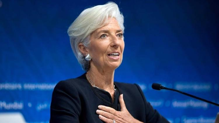 Yunanistan şartı kabul etti, IMF krediyi verdi