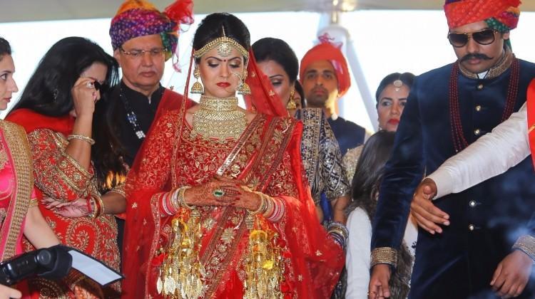 Hintliler'den 2 milyon dolarlık düğün siftahı