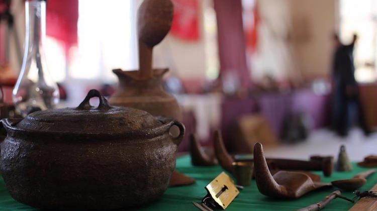 Mahalleliden topladığı gereçlerle müze oluşturdu