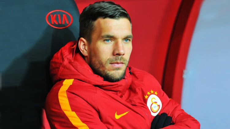 Lukas Podolski'den alkış alacak hareket!