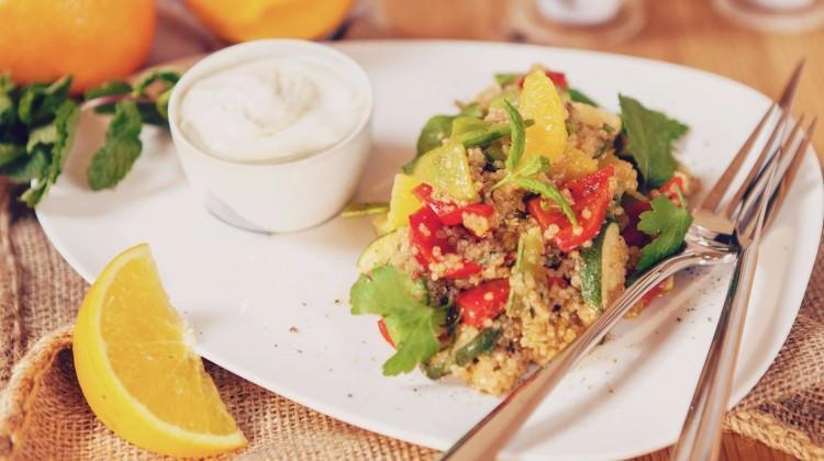Sıcak kinao salatası tarifi