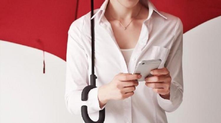 Yağmurda telefon kullanmak artık çok kolay