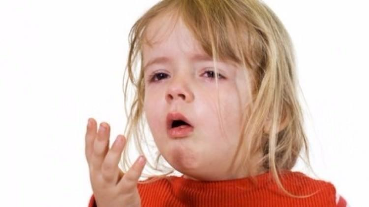 Çocukta kuru öksürük. Nasıl tedavi edilir ve nasıl yapılır