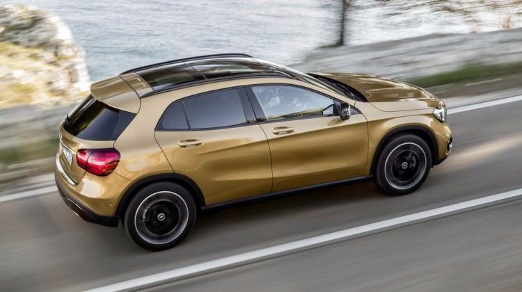 Mercedes Benz GLA yenilendi! İşte 2017 hali...