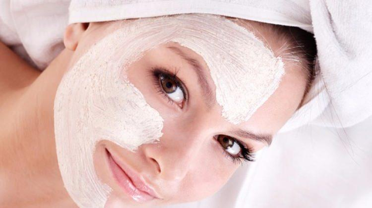 Kuru ciltler için bakım maskeleri