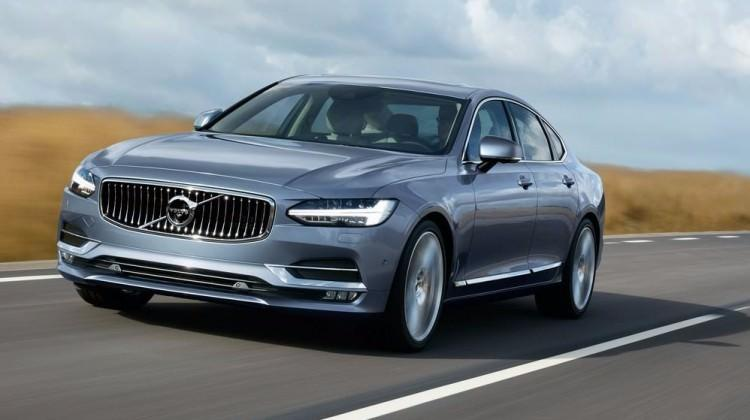 Volvo S90'a iki yeni motor