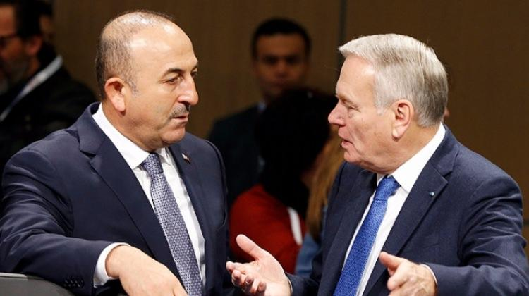 Dışişleri Bakanı Çavuşoğlu, Ayrault ile görüştü!