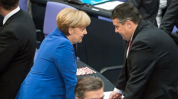 Merkel'in Bakanı: Türkiye AB'ye çok uzak
