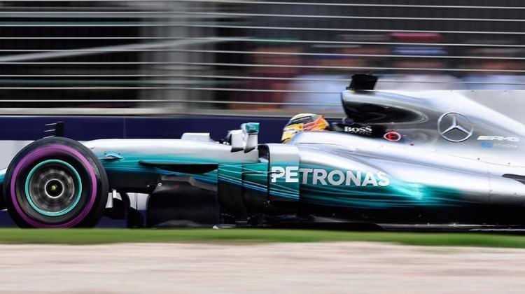Avustralya'da ilk cep Hamilton'un!