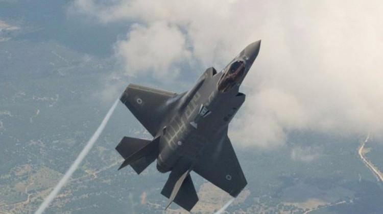 İsrail, Hizbullah konvoyunu bombaladı