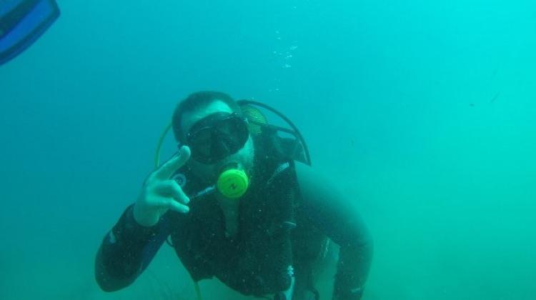 Ata Demirer Bodrum'da deniz temizliği yaptı