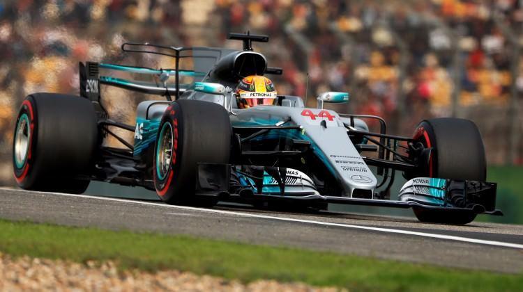 Çin'de pole pozisyonu Hamilton'un oldu!