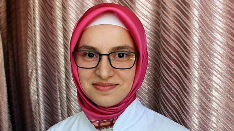 Zehra Özdemir yılın hekimi seçildi