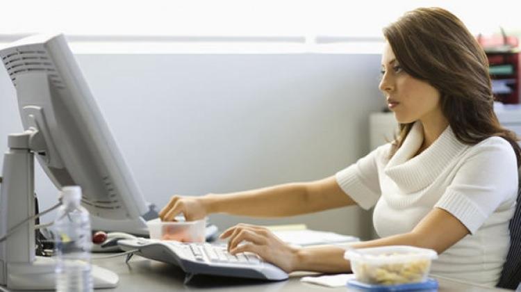 Çalışan hamileler nasıl beslenmeli ?