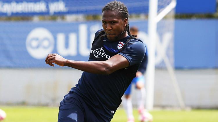 Rodallega: Futbolu Trabzonspor'da bırakabilirim