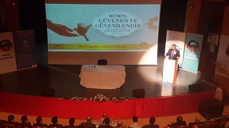 Tunceli'de Kutlu Doğum Programına yoğun ilgi