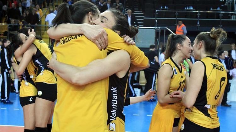 VakıfBank CEV Şampiyonlar Ligi'nde finalde!