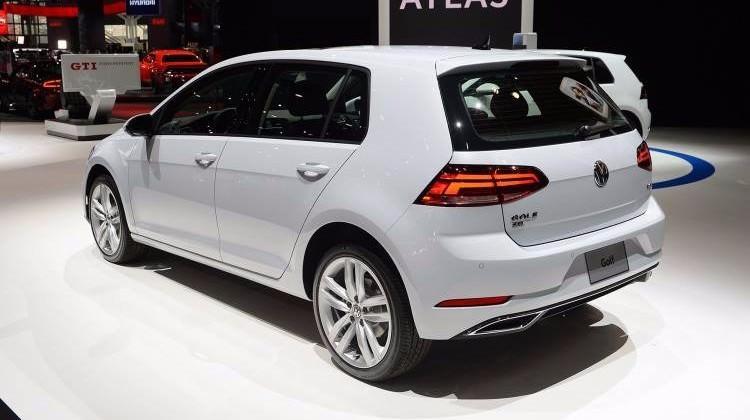 VW Golf makyajlandı! İşte yeni hali...