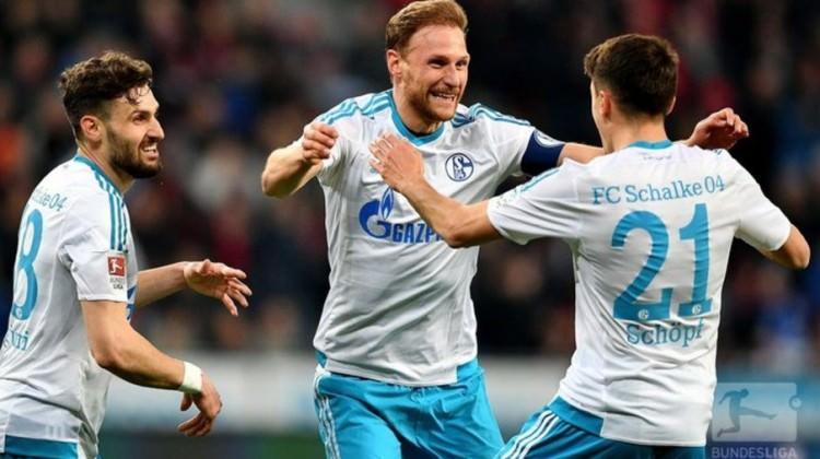 Schalke Leverkusen'i dağıttı!