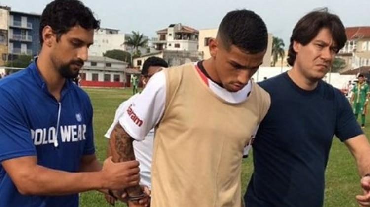 Maç oynanırken tutuklandı