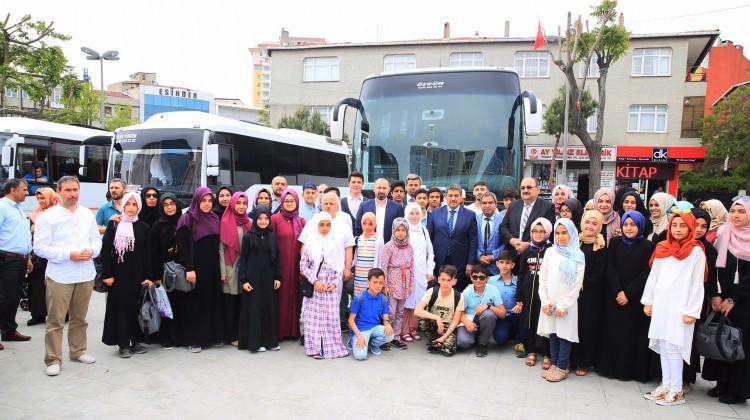 Başarılı öğrenciler Umre'ye uğurlandı