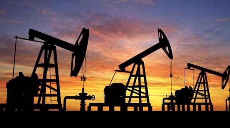 Brent petrol 51 dolarda tutunmaya çalışıyor