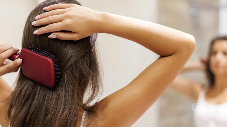 Saçların yağlanmasına neden olan 6 durum