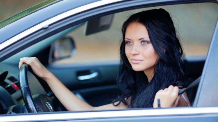 Kadın sürücülerin trafikte yaptığı 5 hata